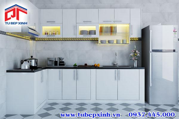 Gam màu trắng tinh tế cho tủ bếp chữ L